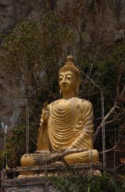 Phang Nga Buddhist cave and Statue