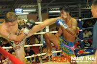 Will scores big Muay Thai head kick