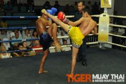 Mon wins 4th round KO