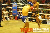 Nazee (Tiger Muay thai) jumping elbow strike