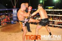 Steve wins by KO for Tiger Muay Thai