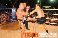 Steve wins by KO for Tiger Muay Thai