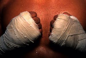 old-muay-thai-hand-wrap