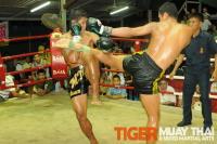Namphon beats former Rajadamnoen Champion
